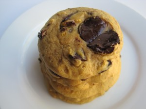 Pumpkin Chocolate Chunk Cookie Soft, chewy, and chocolaty cookie baked with pumpkin and spices!